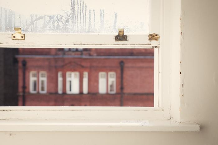 LONDON011, DEW