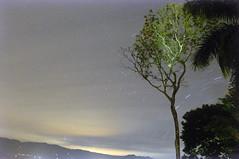 Estrellas en Movimiento (CAUT) Tags: longexposure luz night star noche countryside nikon nocturnal country abril trail le nightlight april nocturna campo estrella linea semanasanta anapoima startrail largaexposicin cundinamarca 2011 largaexposicion d90 caut nikond90 lineadeestrella