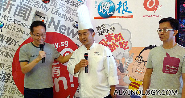 The hosts, Ah Lun and Xiao Peng introducing the head chef at Long Beach King