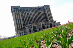 Detroit's abandoned station (2)