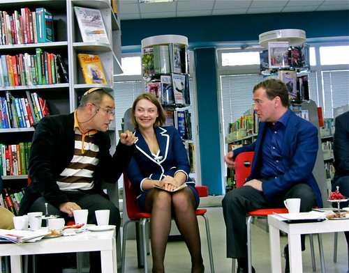 Anton Nossik (pomogi.org) arguing with President Medvedev. Image by Flickr user Gregory Asmolov (CC BY-NC 2.0).