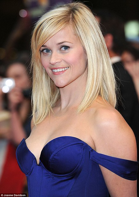 Reese Witherspoon at the vue cinema, westfield london water for elephants premiere may 2011 6 by London film premiere