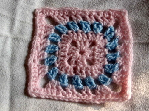 Smoothfox's Flower Button Granny Square