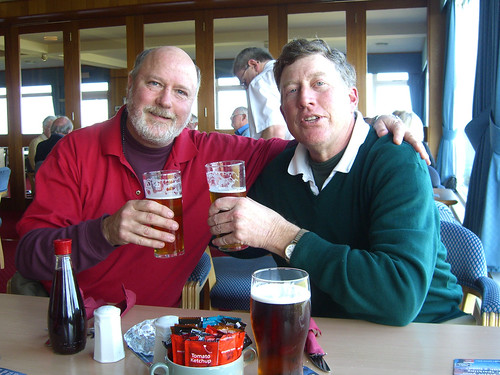 A beer at Balcomie Links