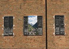 Finestra sul  Trentino (Gianni Armano) Tags: panorama finestra paesaggio trentino maggio mattoni persiane 2011