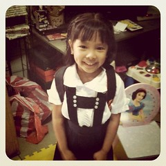 Makiki 1st Day of School Picture din ako: Bela excited to go to school.