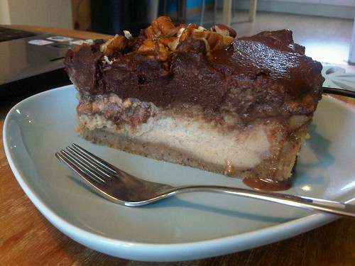 Raw vanilla chocolate cinnamon cheesecake