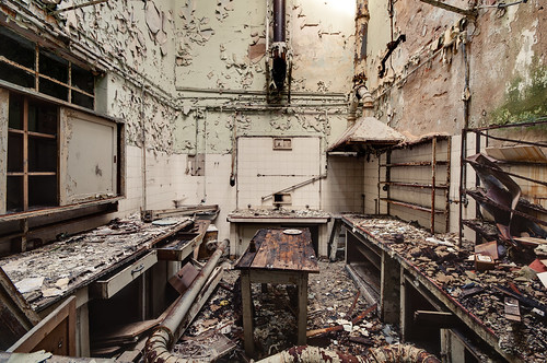 Laboratory of decay