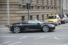 Audi R8 V10 Spyder (LuxuriousDeidesheim) Tags: canon eos am d frankfurt main spyder audi efs v10 r8 550 18135 luxuriousdeidesheim