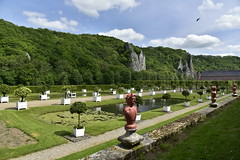 La partie aux orangers (Flikkersteph -4,000,000 views ,thank you!) Tags: springtime garden waterpool fountain tranquillity landscape nature footpaths reflecting wonderful hills slopes cloudy shadow trees foliage castle hastire wallonia belgium