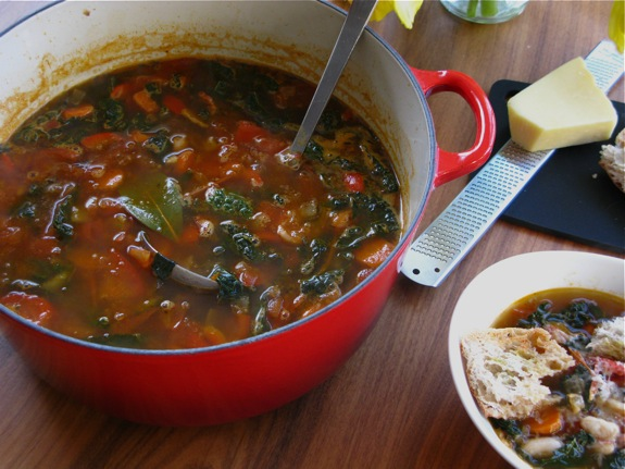 tuscan white bean kale soup 011