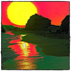 Sunset Beach (gilxxl) Tags: praia portugal faro mar sony prdosol algarve soe oceano valedolobo artdigital dslra100 awardtree galleryofdreams trolledproud crazygeniuses mygearandme mygearandmepremium gilbertooliveira gilxxl