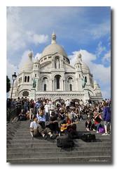 Rock'n folk ! (patoche21) Tags: street people paris france church monument nikon religion ngc streetphotography montmartre rue gens basilique 18200mm scnederue d80 nikonpassion flicrtravelaward patrickbouchenard