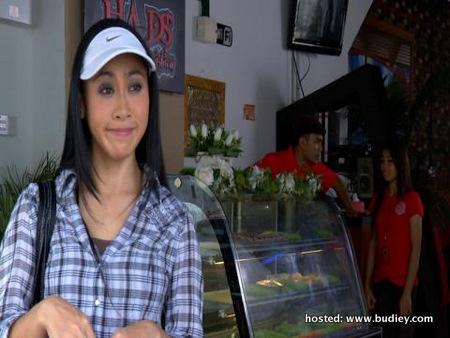 Nadia Mustafa sebagai Melati