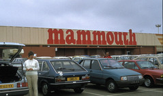 83206 (72grande) Tags: 1983 mammouth renault 30 ford sierra citroën visa alfasud sprint hypermarché
