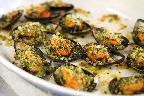gratineeritud sinimerekarbid/mussels gratiné/cozze gratinate