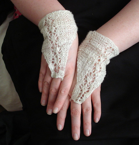 Free pattern fingerless cuff gloves mitts silk lace fingering weight