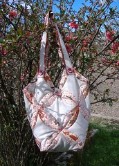 Blossom bag (reaung) Tags: bag origami quilt quilting patchwork lapitehnika foltvarrás