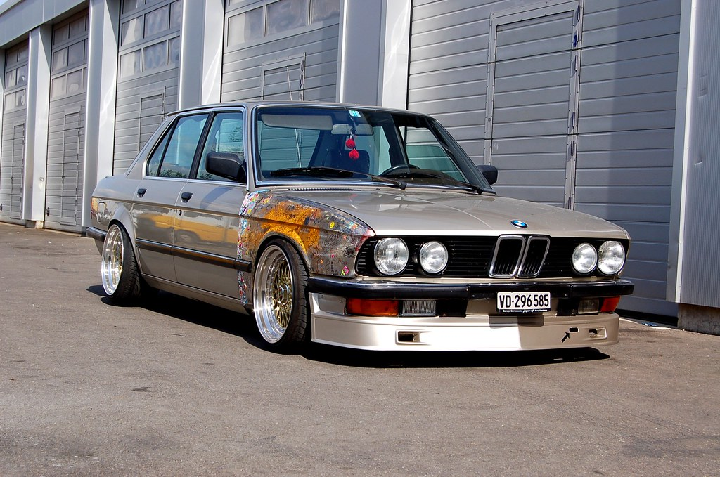 E28 Clean Low And A Little Bit Rusty Retro Rides