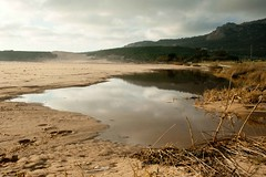 Un pequeño océano, su reflejo y unas dunas - A little ocean, their refection and dunes (A. Silva Photography) Tags: españa beach andalucía spain dune playa monte cádiz bolonia montain tarifa dunas natureselegantshots