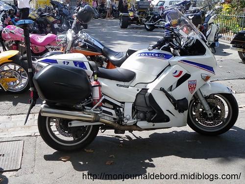 Moto police 6