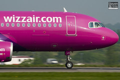 HA-LPY - 4109 - Wizzair - Airbus A320-232 - Luton - 110424 - Steven Gray - IMG_4810