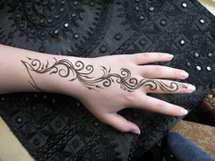 IMG_0150 (henna.elements) Tags: art beauty tattoo design pretty hand fingers henna westernmass kripalu mehandi pasteon hennaelements