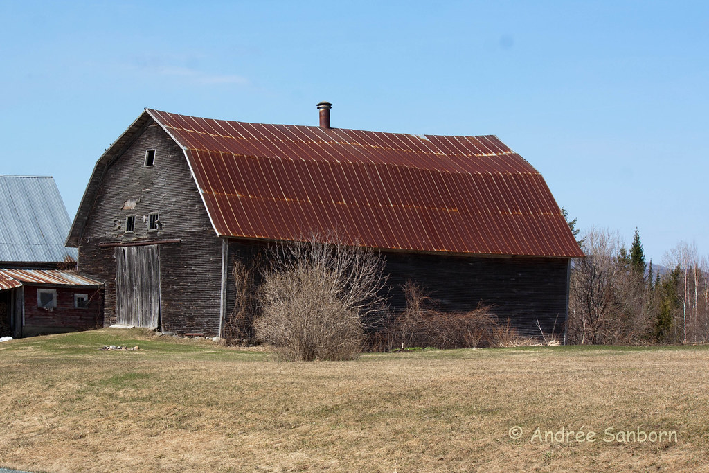 Old Duquette Barn (4 of 15).jpg