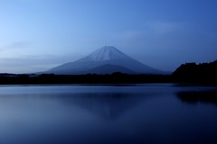Lake of early morning (Mt.Fuji) (peaceful-jp-scenery) Tags: lake japan landscape   mtfuji yamanashi syoji fujigoko    dslra700 sal2470z variosonnart2470mmf28za