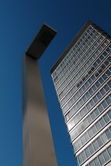 the leveling rule for wrong town planning (crosslens) Tags: blue windows sky tower glass lamp lines architecture lampe hamburg perspective architektur turm modernarchitecture fassade astraturm modernearchitektur