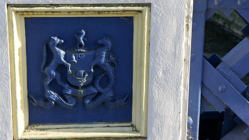 Belfast Coat Of Arms - Queens Bridge