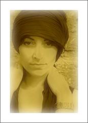 Momentaufnahme (Wolf Claudia) Tags: portrait woman face sepia eyes gesicht adult turban frau claudiawolf artiguany