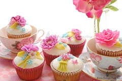 Afternoon Tea! (Little Cottage Cupcakes) Tags: birthday pink wedding flower vintage cupcakes purple anniversary peony mauve teacups afternoontea wedgwood shabbychic littlecottagecupcakes