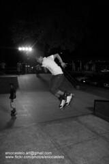 ebc_d_ 18-5-2011 21-29-00 (Enio Castelo) Tags: sports sport skating skate esporte skateboarder skateboarders esporteradical pistadeskate esportista esportistas skaitista rampadeskate esportedeao esportesdeao eniocastelofotografia eniocastelofotografias eniocastelofotos fotoseniocastelo eniocastelophotos wwwflickrcomphotoseniocastelo imangenseniocastelo photoseniocastelo eniocasteloimangens