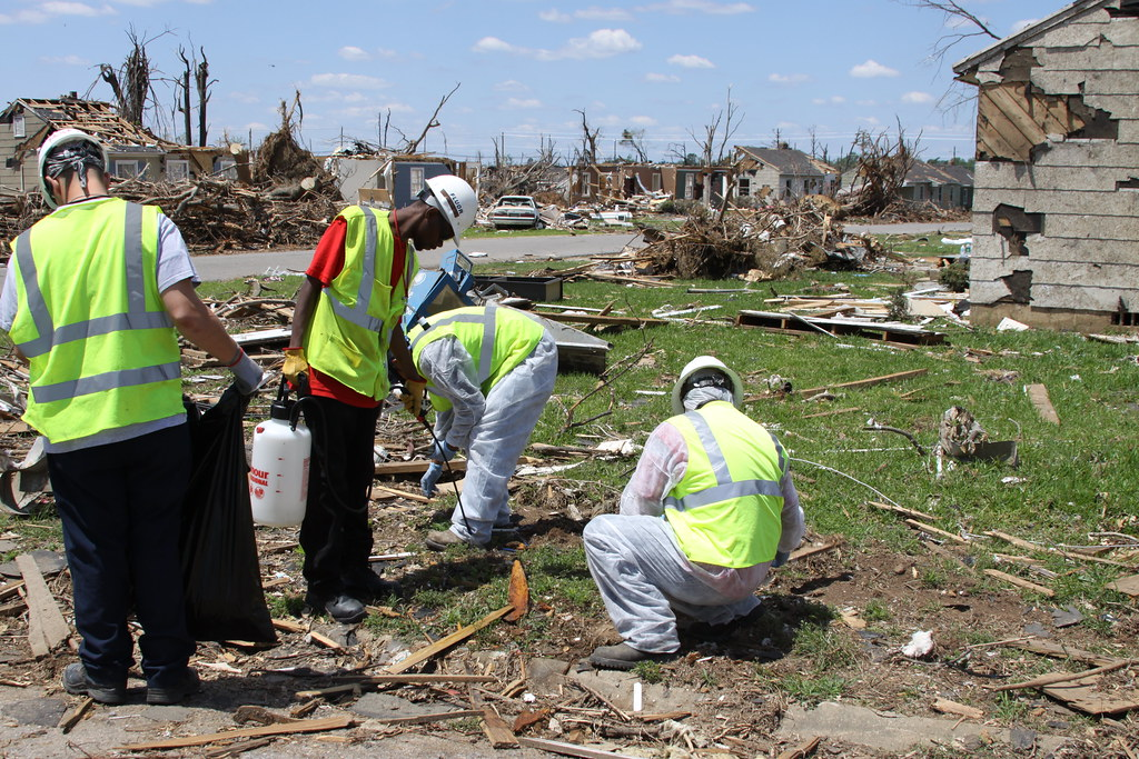 USACE, Crews sort and prepare debris for environmentally safe pickup