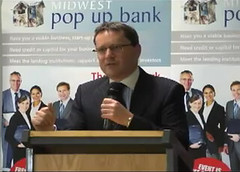 George Lee Opens Pop-Up Bank
