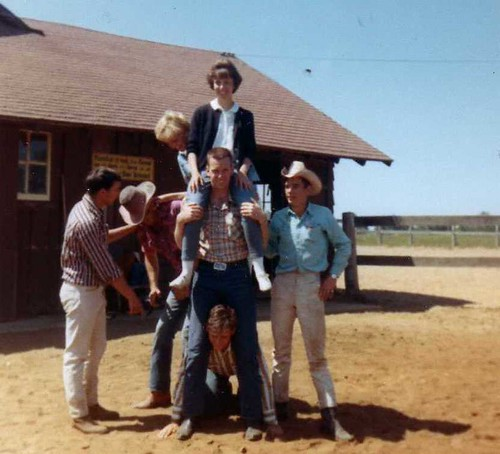 img165_Zach_Latigo_Roy_Steve_Buddie_Dorthea_Alice_at_Jack_and_Jill_Ranch_1966