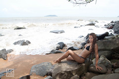 Vive les Vacances !! - Happy Holidays !! (hfcnathan) Tags: sea mer black beach girl rocks swimsuit plage rochers skim cume guyane frenchguiana
