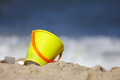 Waiting (Rich Renomeron) Tags: canonefs55250mmf456isstm canoneos60d beachbucket bethanybeach delaware