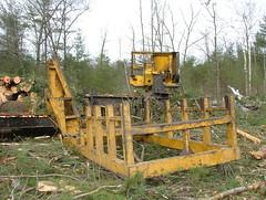 DSCF4700 (M.Bouzakine) Tags: forestry logging valmet skidder timberpro knuckleboomloader 445exl deere648g