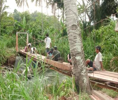 5560562508 cc47fde437 Menggali Swadaya, Tingkatkan Kualitas Infrastruktur