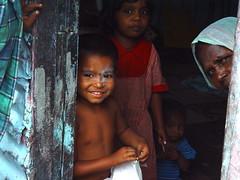 slum in pune (01cbc) Tags: family india children slum