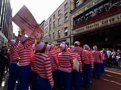Where's Wally Dublin flash mob #5 (turgidson) Tags: world street ireland dublin café digital studio ed four lumix championship raw angle martin g flash wide performance pedestrian wideangle olympus m panasonic mob developer micro record pro g1 mm oriental wheres performers wally fundraiser waldo zuiko graftonstreet attempt dmc flashmob grafton thirds converter recruiting whereswally bewleys whereswaldo handford 2011 m43 silkypix f4056 streetperformanceworldchampionship spwc martinhandford 41412 lumixg microfourthirds 918mm panasoniclumixdmcg1 panasonicg1 bewleysorientalcafé olympusmzuikodigitaled918mmf4056 olympusmzuikodigitaled918mmf4056mm silkypixdeveloperstudiopro41412 streetperformanceworldchampionship2011 p1180366 spwc2011