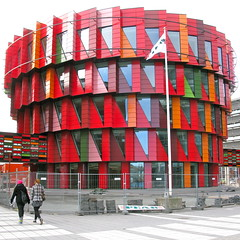 The Cog I (hansn) Tags: city red urban color colour architecture modern gteborg square colorful europa europe cityscape sweden contemporary gothenburg architect sverige colourful stad frg arkitektur goteborg rd squarish arkitekt thecog frgglad gertwingrdh anglesanglesangles wingardhs kuggen gertwingardh