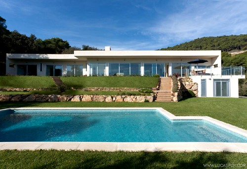 Swimming Pool / Gardens - Property for sale Costa Brava - Spain