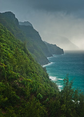 Na Pali Coast (Thorsten Scheuermann) Tags: ocean light usa water hawaii surf waves turquoise atmosphere stormy kauai layers hi hanalei steep napalicoast kalalautrail