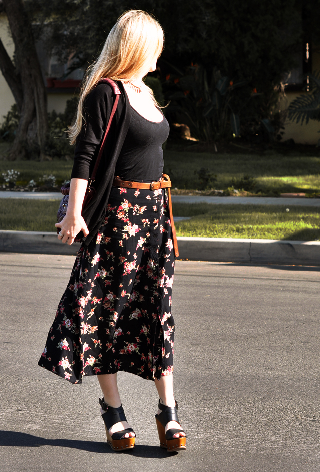 floral print long skirt with wood wedges+long straight hair+brown belt