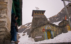 taking shelter (Partha) Tags: morning camping india snow trekking hiking tent uttaranchal himalaya hdr kund garhwal partha lakereflection uttarakhand ukhimath tungnath chowdhury chopta chandrashila deoriatal devariyatal sarivillage parthachowdhuryphotography