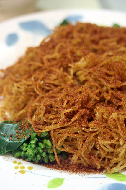 Ha zi lo mein - dry noodles with dried shrimp roe
