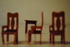 (Koala Flash) Tags: wood miniature klein chairs little furniture piccolo holz sedie littleworld stuehle arredamento mobili moebel kleinewelt messaafuoco piccolomondo lehno piccolimobili